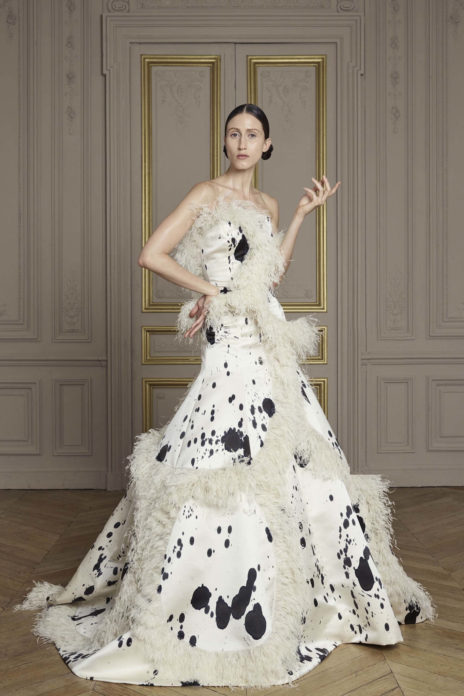 11-giles-deacon-couture.jpg