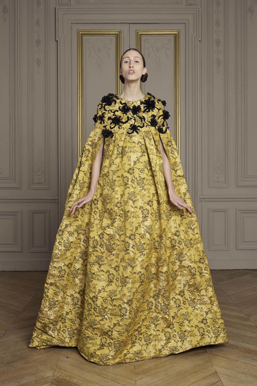 12-giles-deacon-couture.jpg