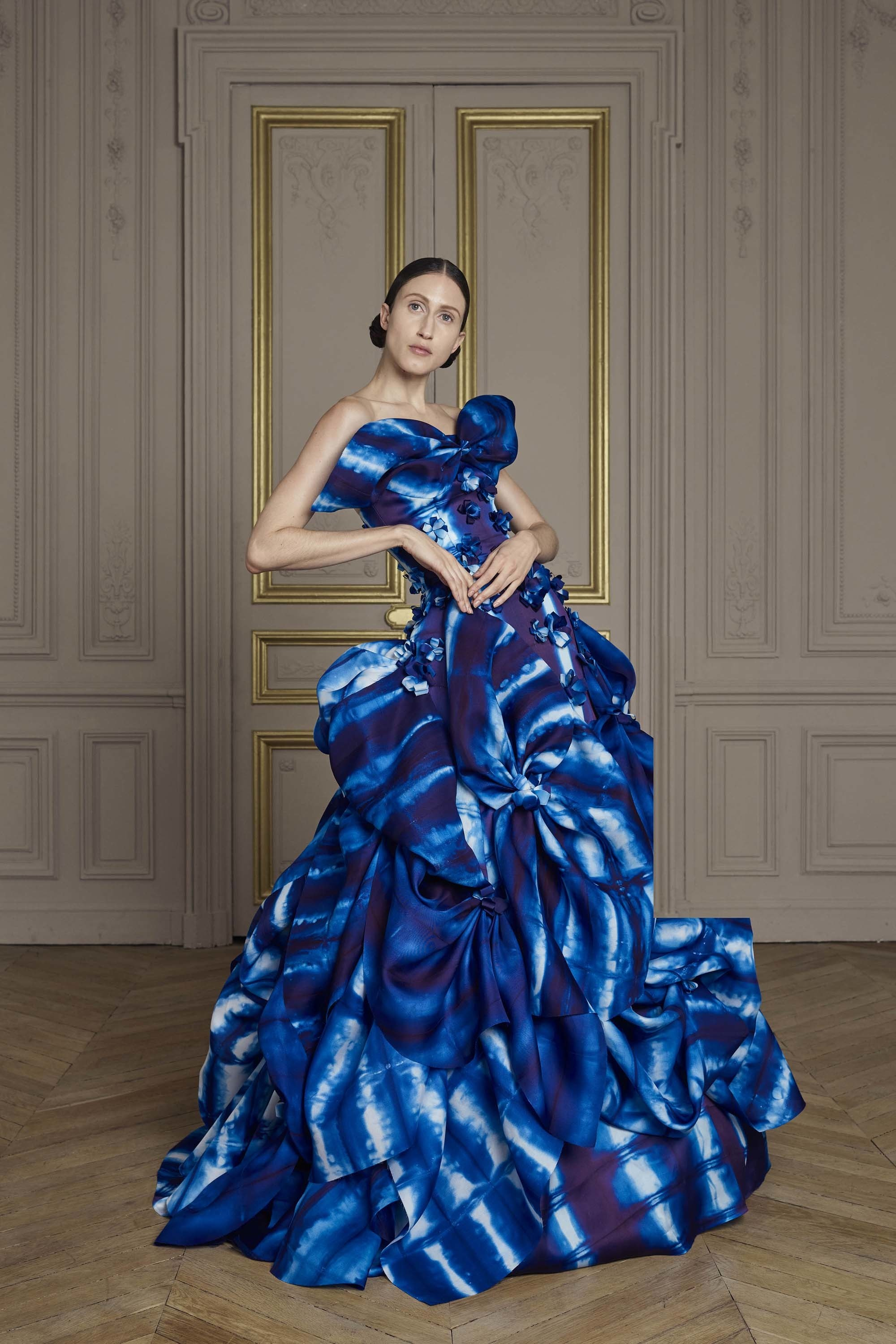 15-giles-deacon-couture.jpg