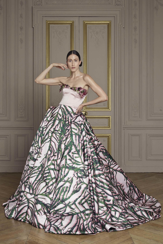 19-giles-deacon-couture.jpg