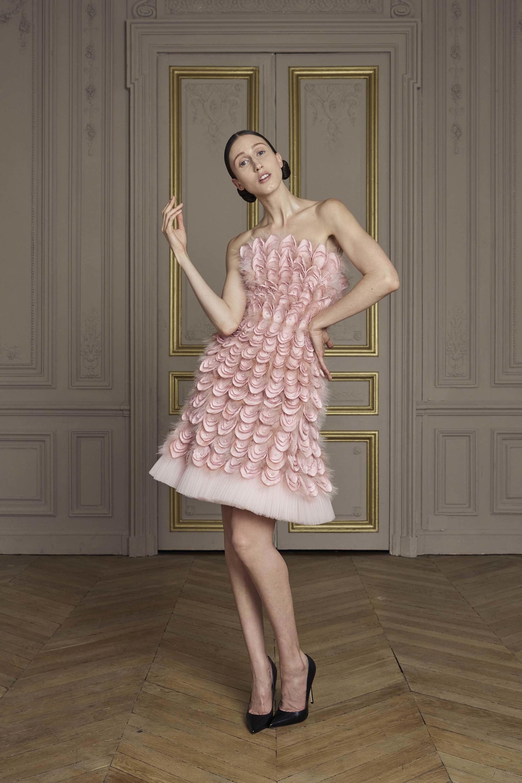 23-giles-deacon-couture.jpg