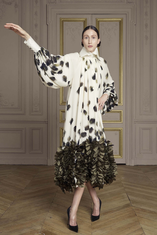 27-giles-deacon-couture.jpg