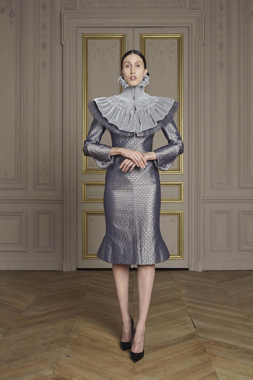 29-giles-deacon-couture.jpg