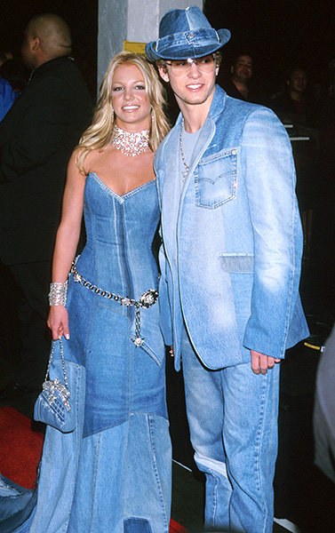 The Infamous Denim Duo in 2001  Power duo Britney Spears and Justin Timberlake draped themseves in denim for the 2001 AMAs.