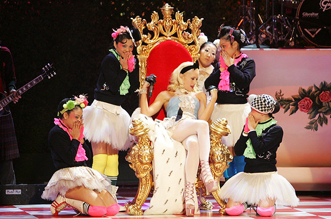 Gwen Stefani in 2004  Gwen Stefani gives a royal performance at the 2004 AMAs.