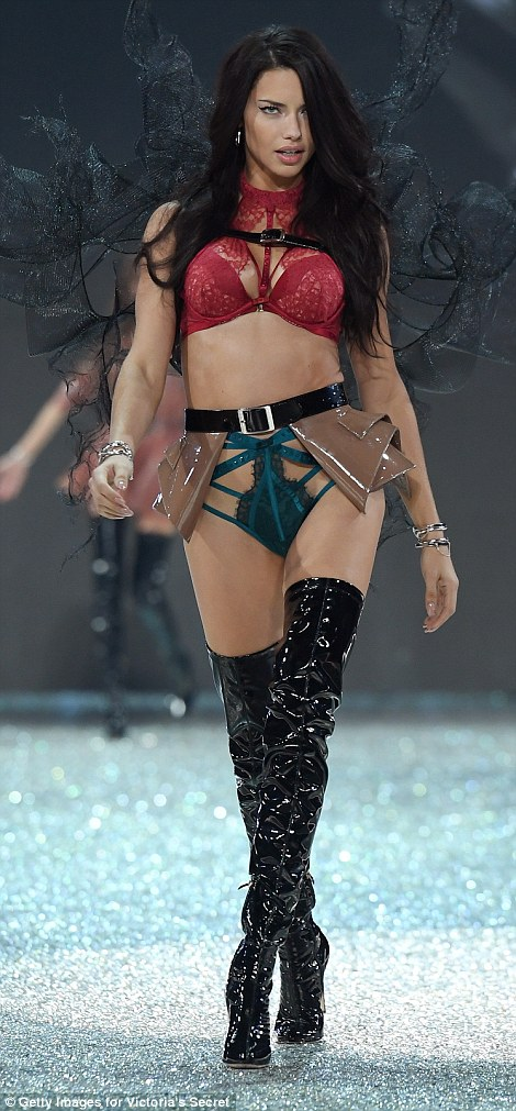 3AE51EB600000578-3987332-Lady_and_the_Vamp_Adriana_Lima_s_mismatching_underwear_and_vinyl-m-189_1480538426881.jpg