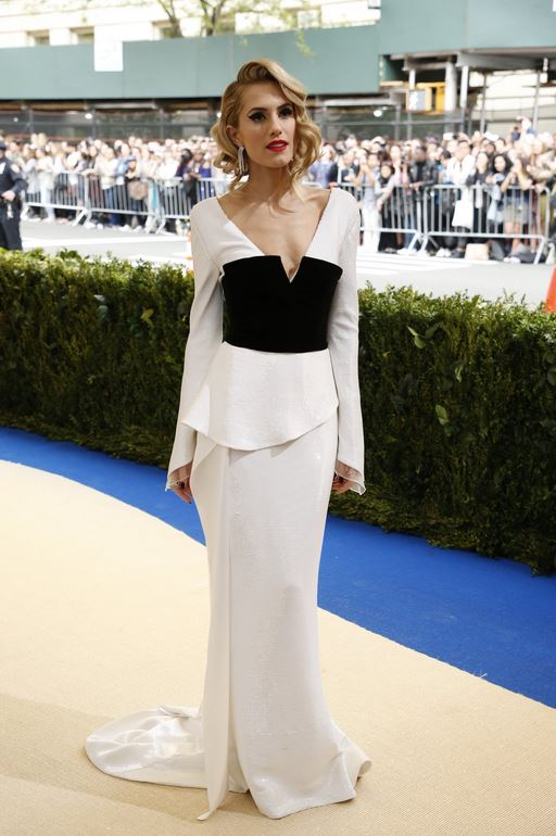 Allison Williams wearing Diane von Furstenberg. -