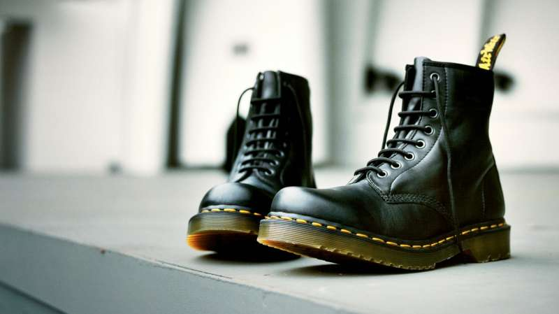 Dr-Marten-boots-black.jpg