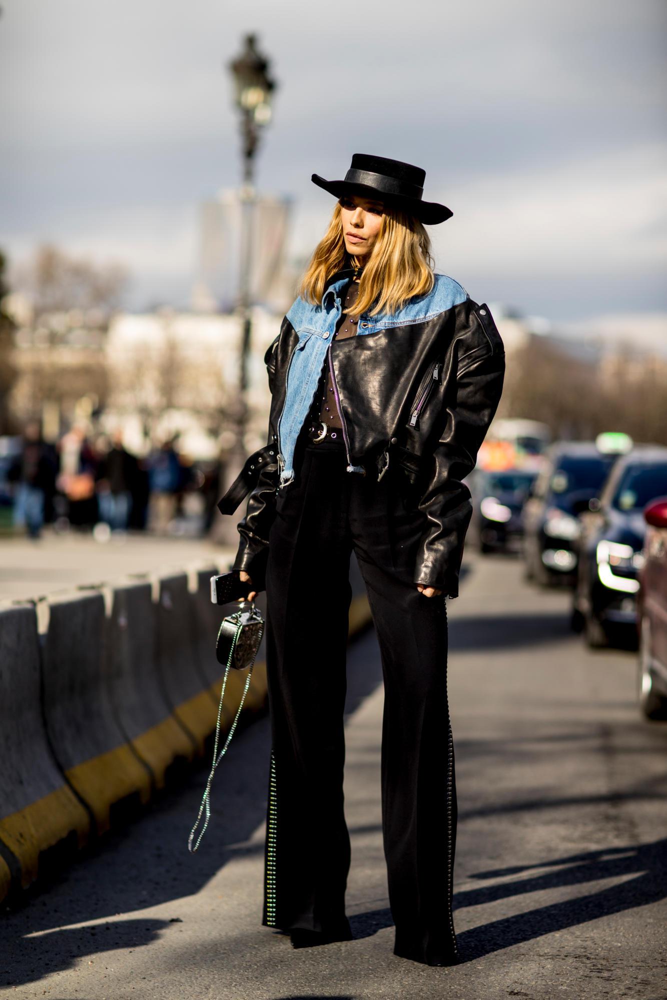 paris-fashion-week-street-style-fall-2018-day-5-41.jpg