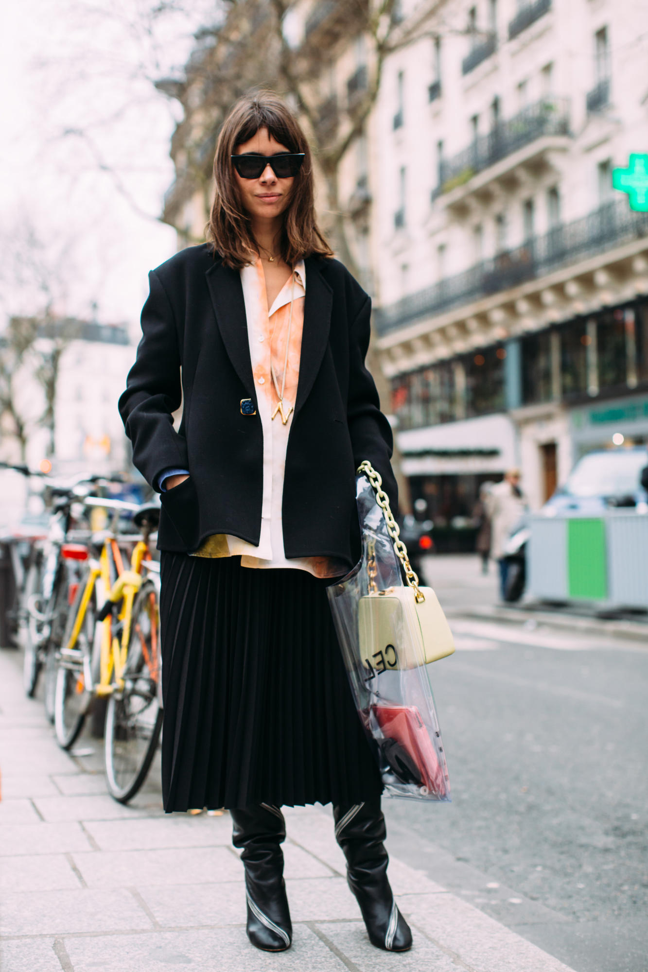 paris-fashion-week-street-style-fall-2018-day-5-57.jpg