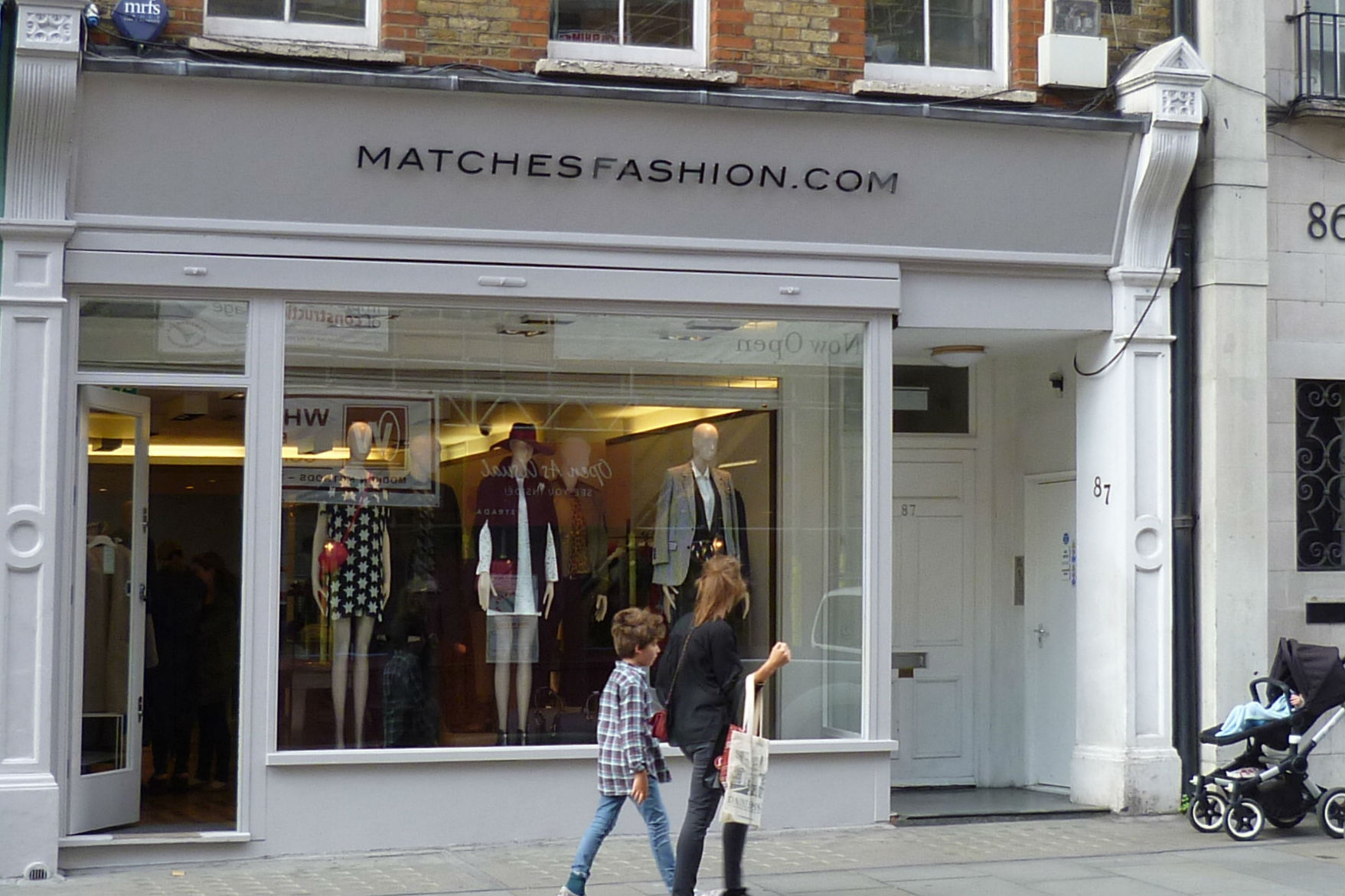 MatchesFashion_fashion_shopfront_Wikimedia-Commons-4.jpg