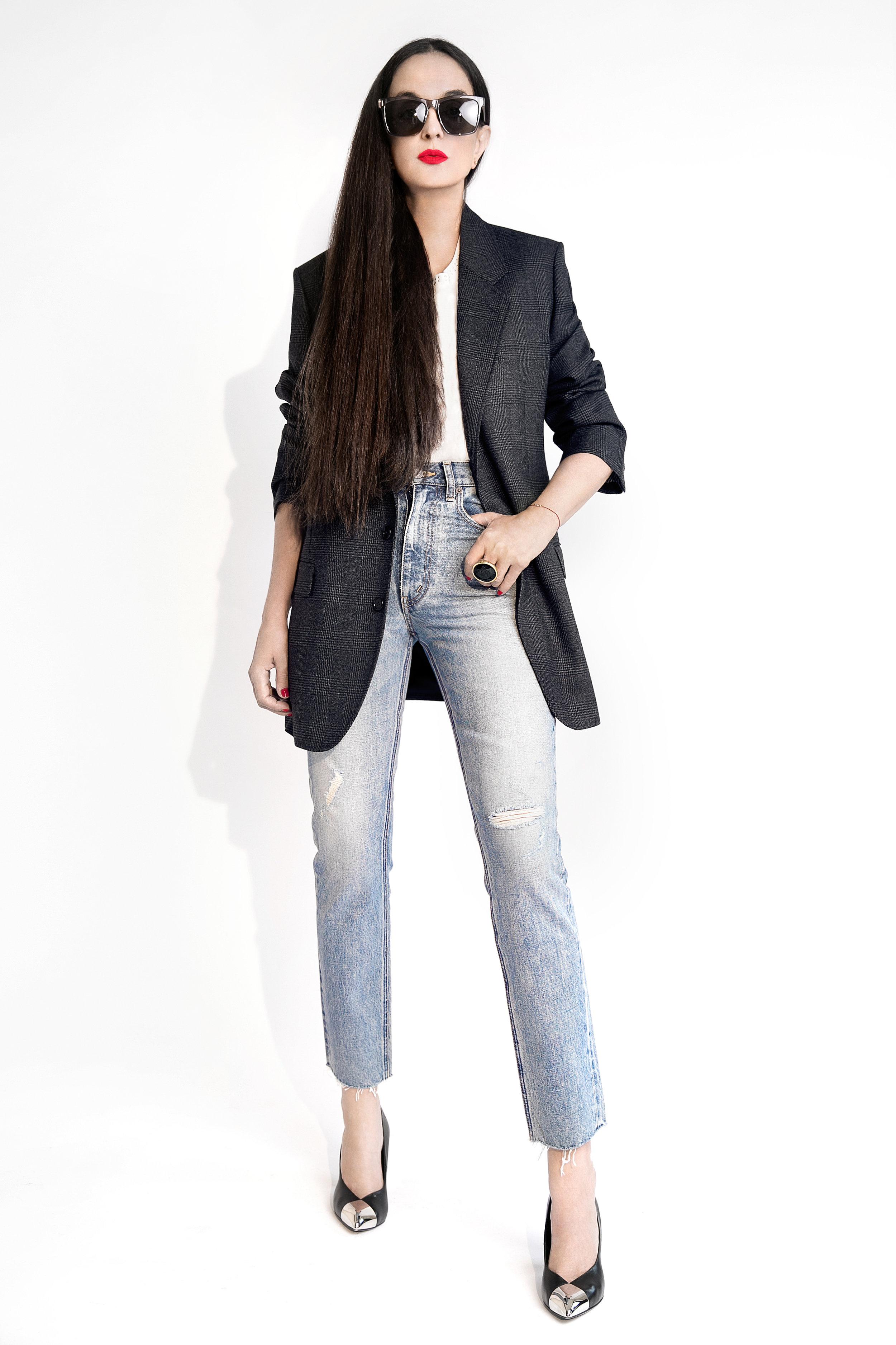 Blazer, jeans and shoes Céline, Sunglasses Luxureyes_ . Photo  Lena Di