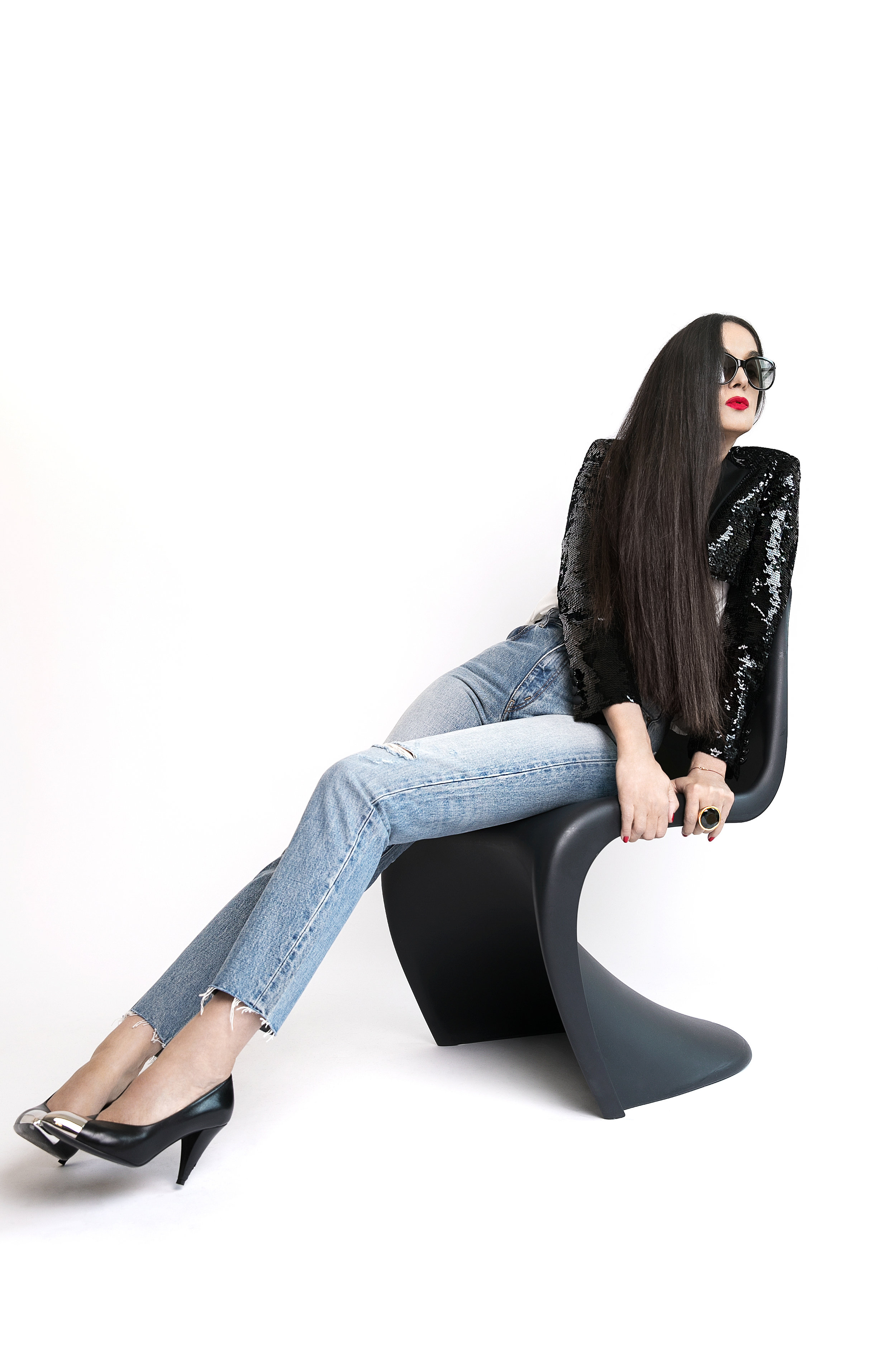 Top, jeans and shoes Céline, sunglasses Tom Ford. Photo  Lena Di