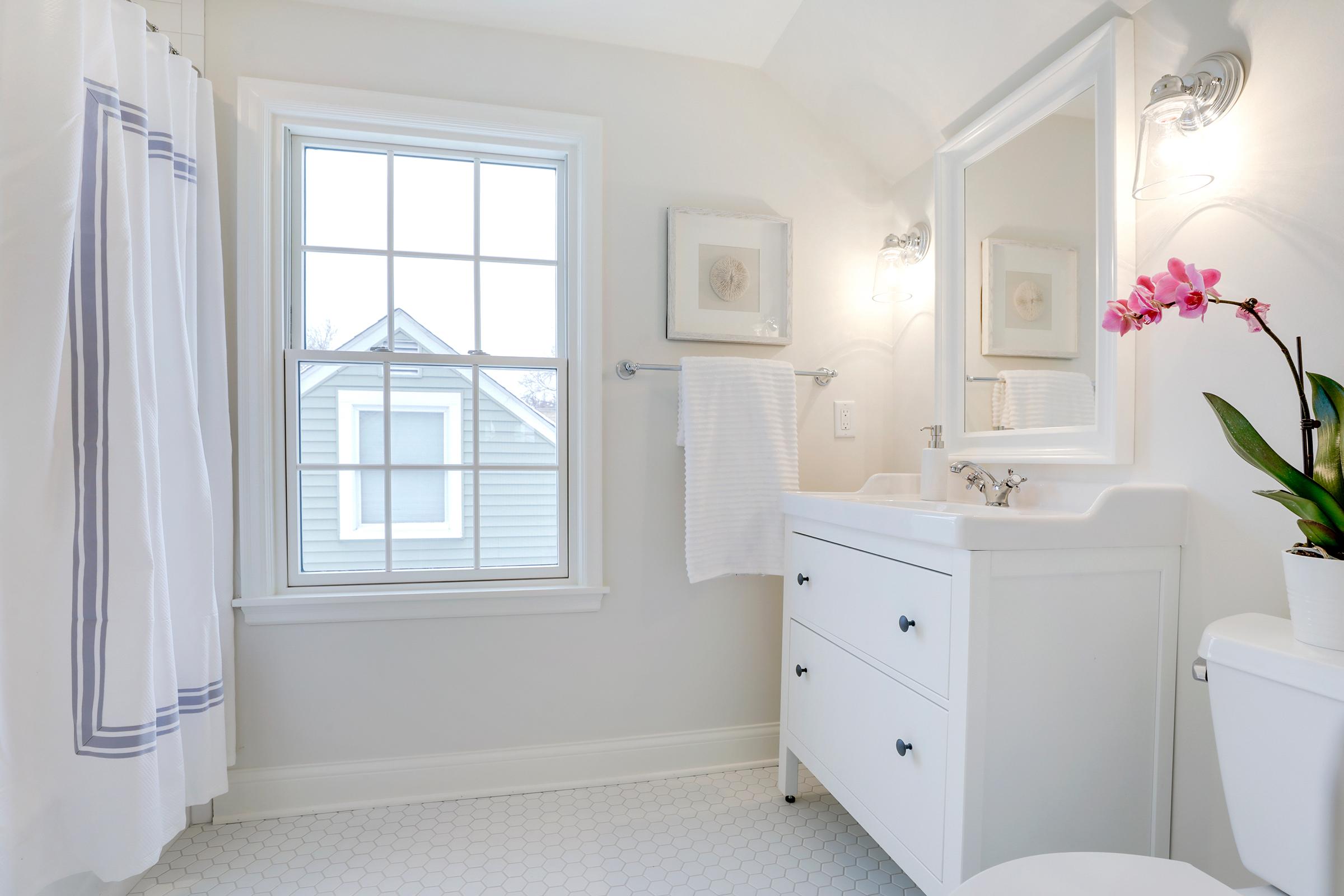 16-upper bath.jpg