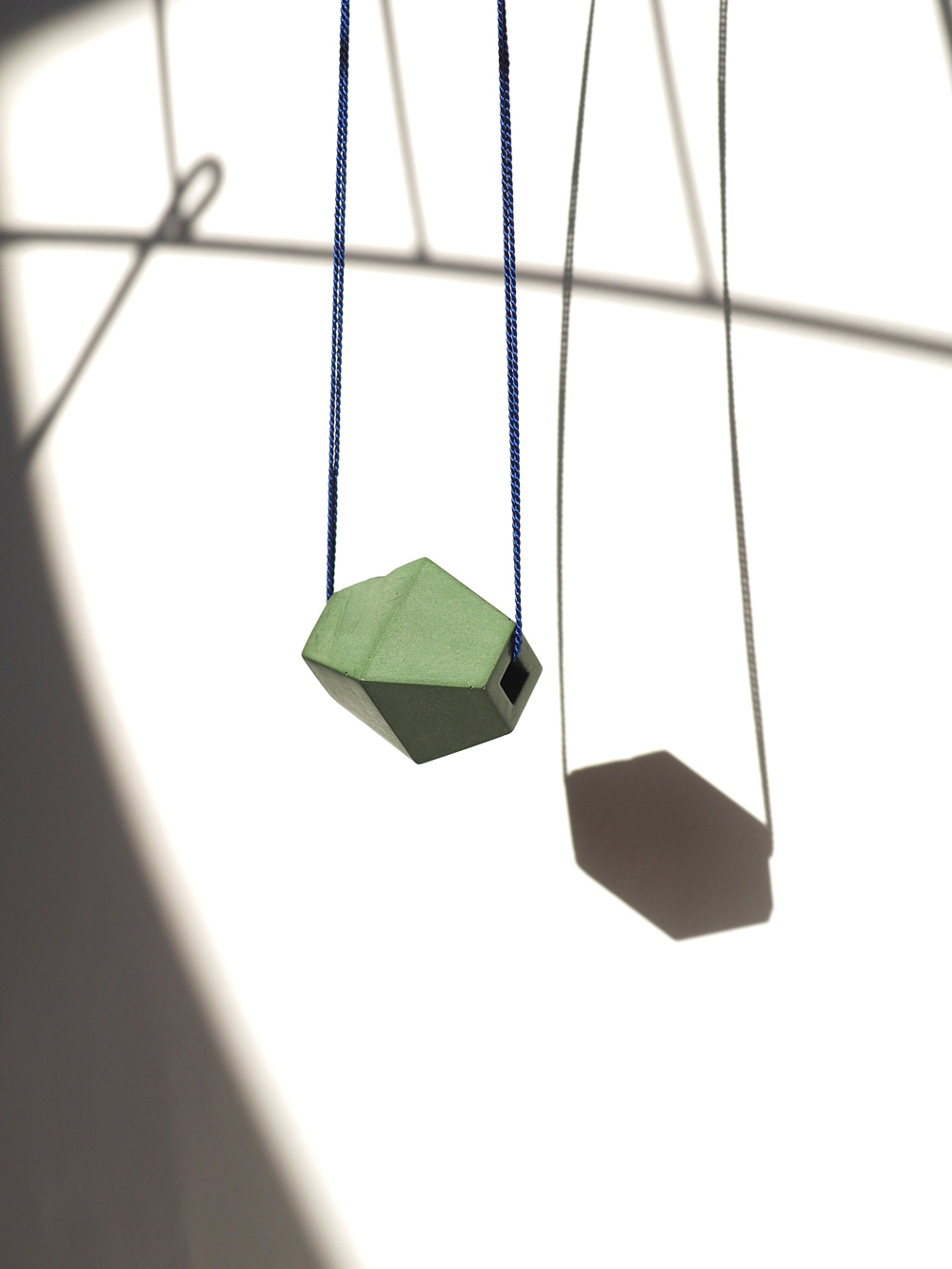 WEB Green Trap NKL hanging.jpg