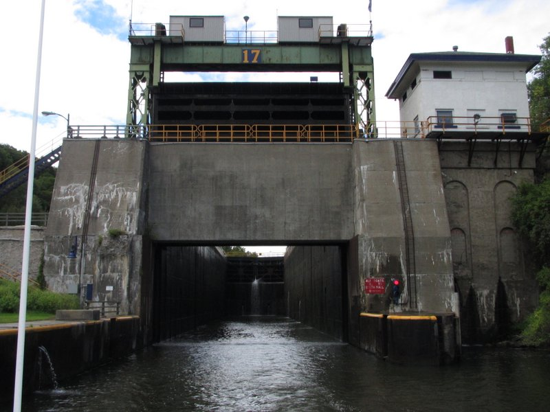 Lock 17 dropped us a whopping 40 feet down!