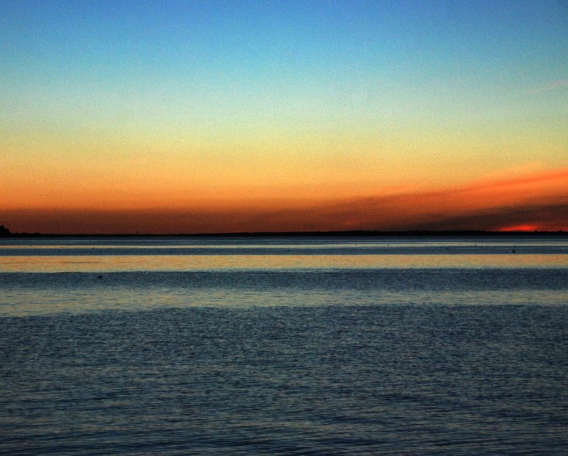 The last few days have been gloriously clear on Chesapeake Bay with sunsets to match!