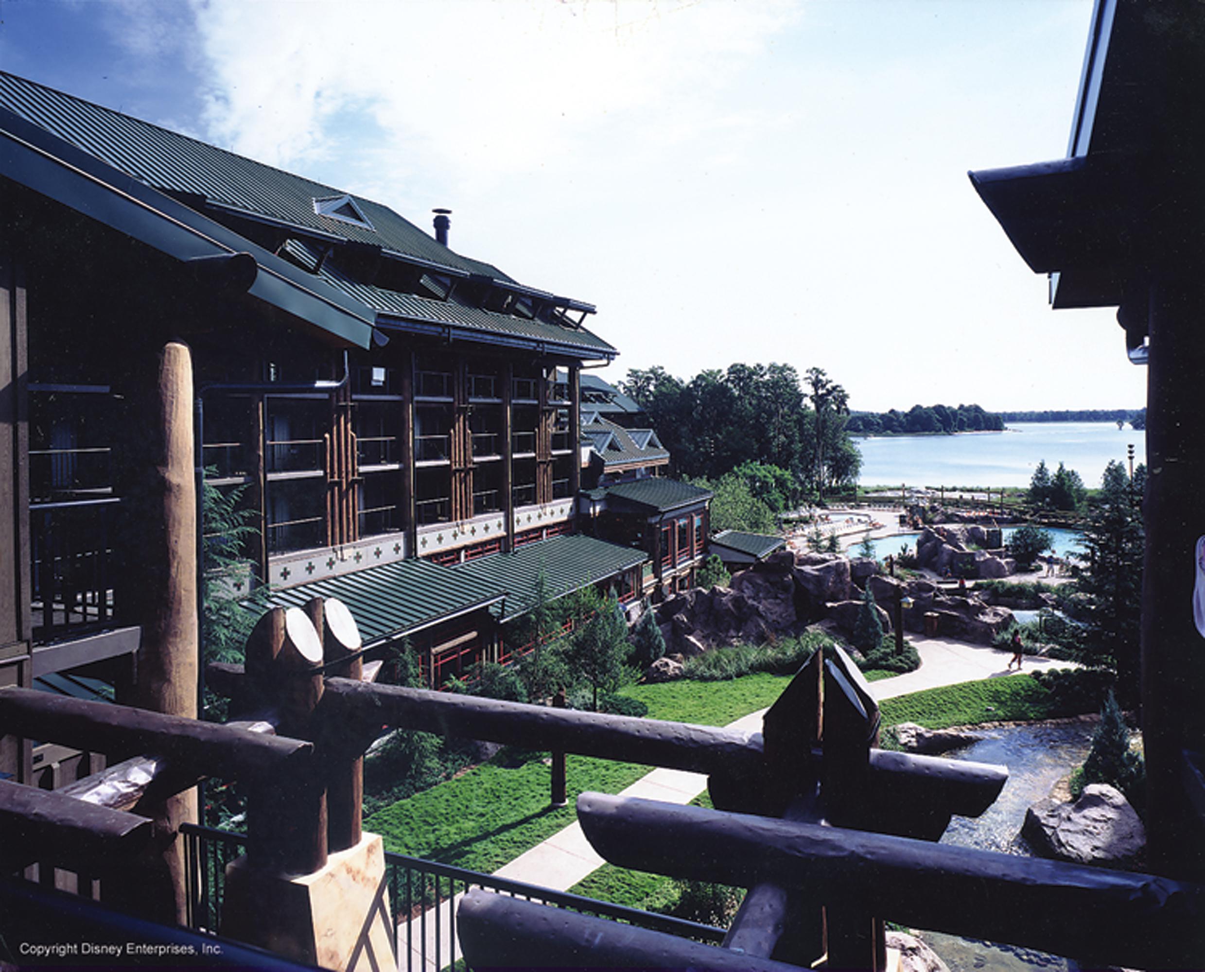 disney_wilderness_lodge_anaheim_florida_pool.jpg