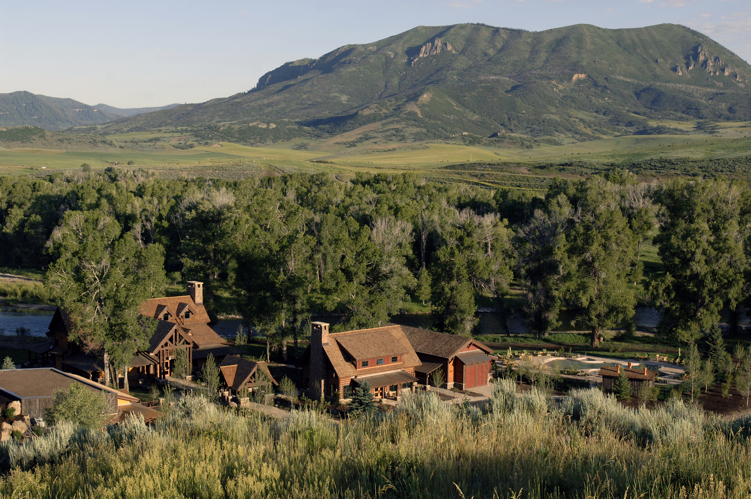 marabou_ranch_steamboat_colorado_grounds.jpg