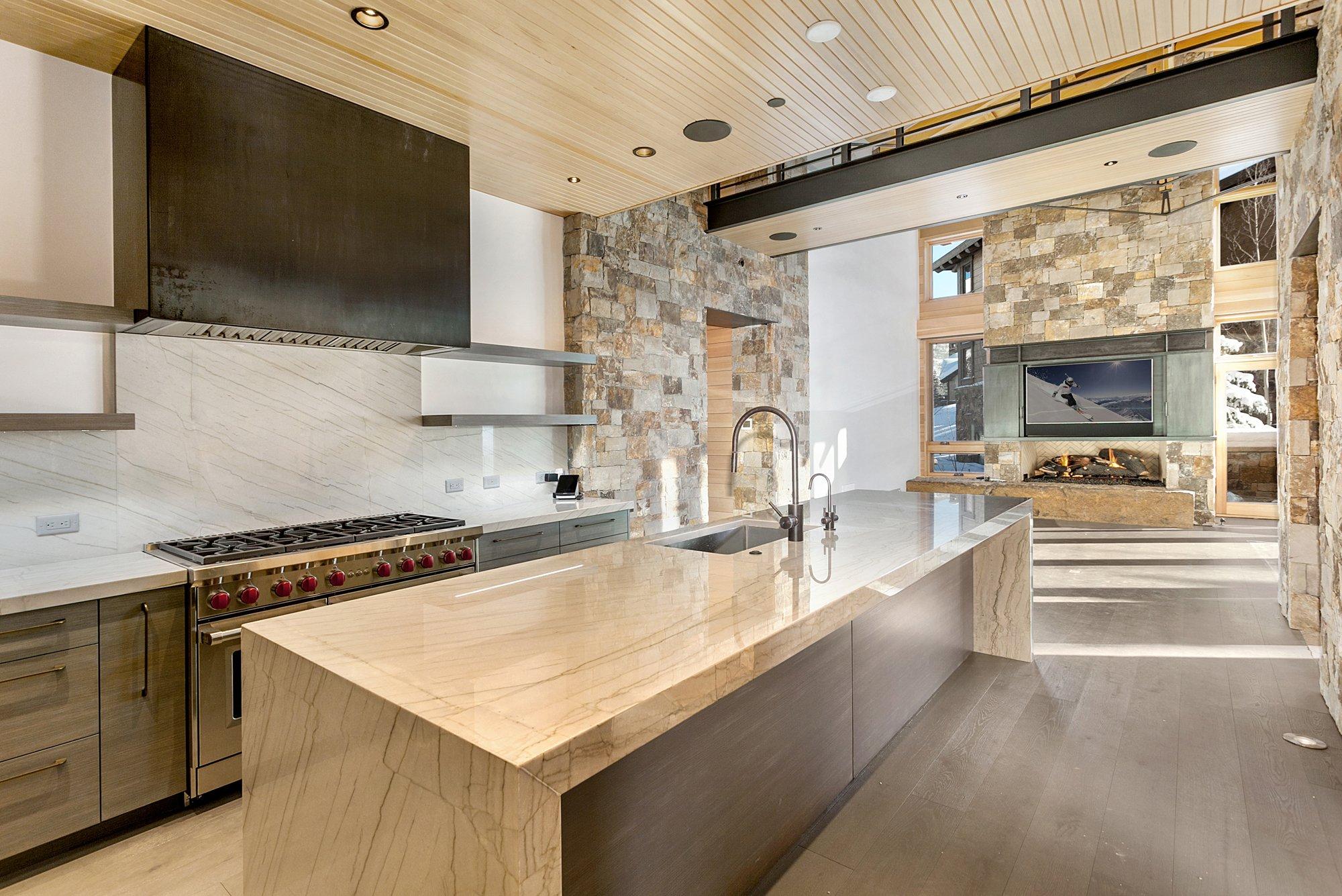 655 forest road kitchen