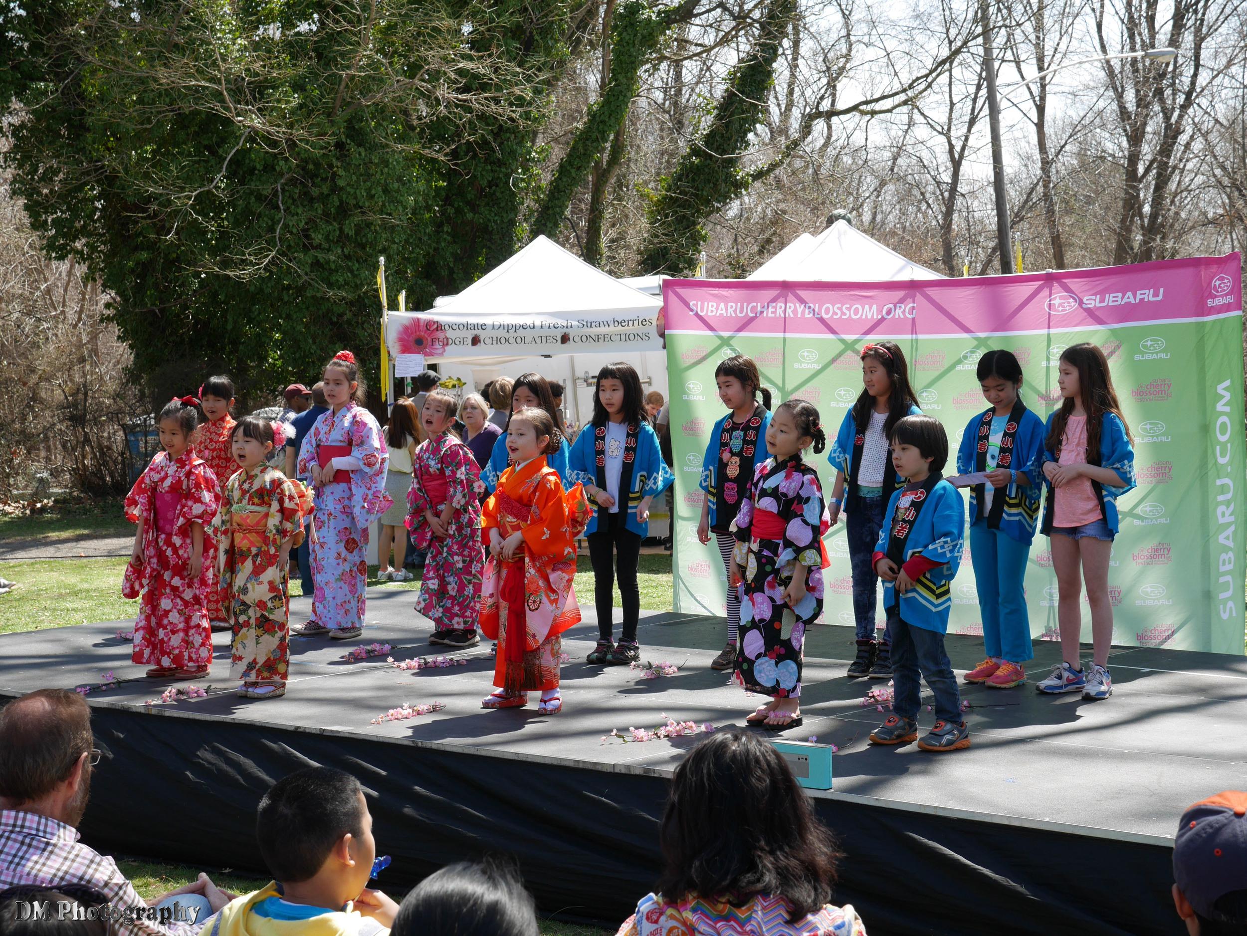 Kids performing at the Kodomo Corner stage