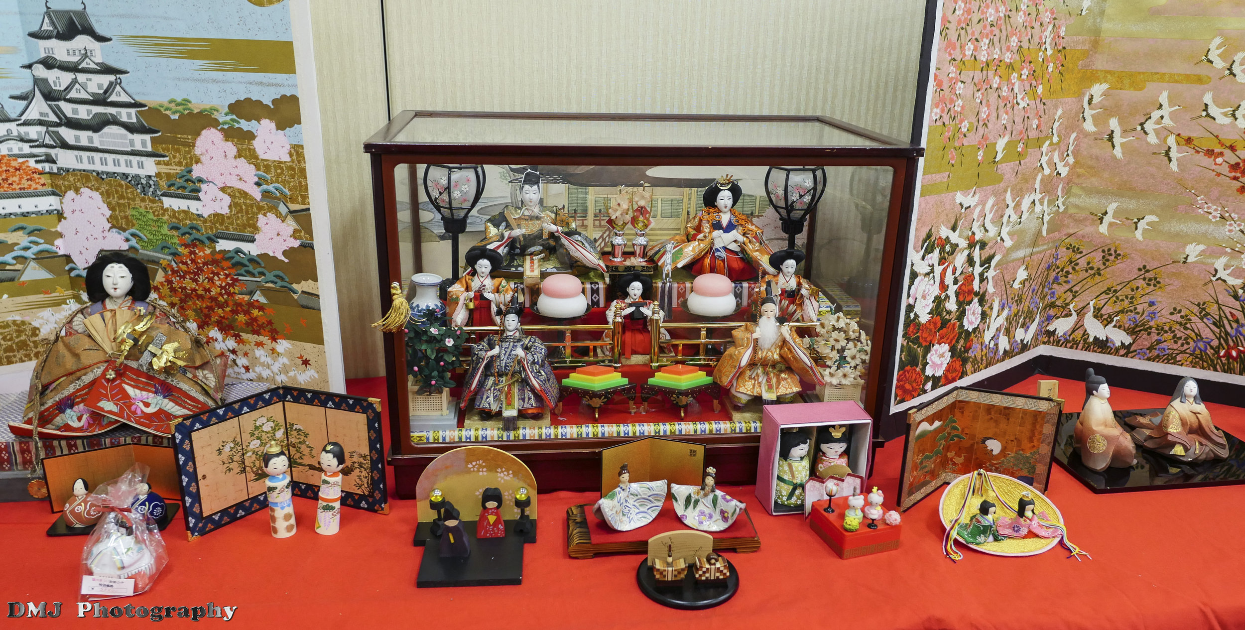A small portion of the Hina Doll Exhibit at Anime USA 2016