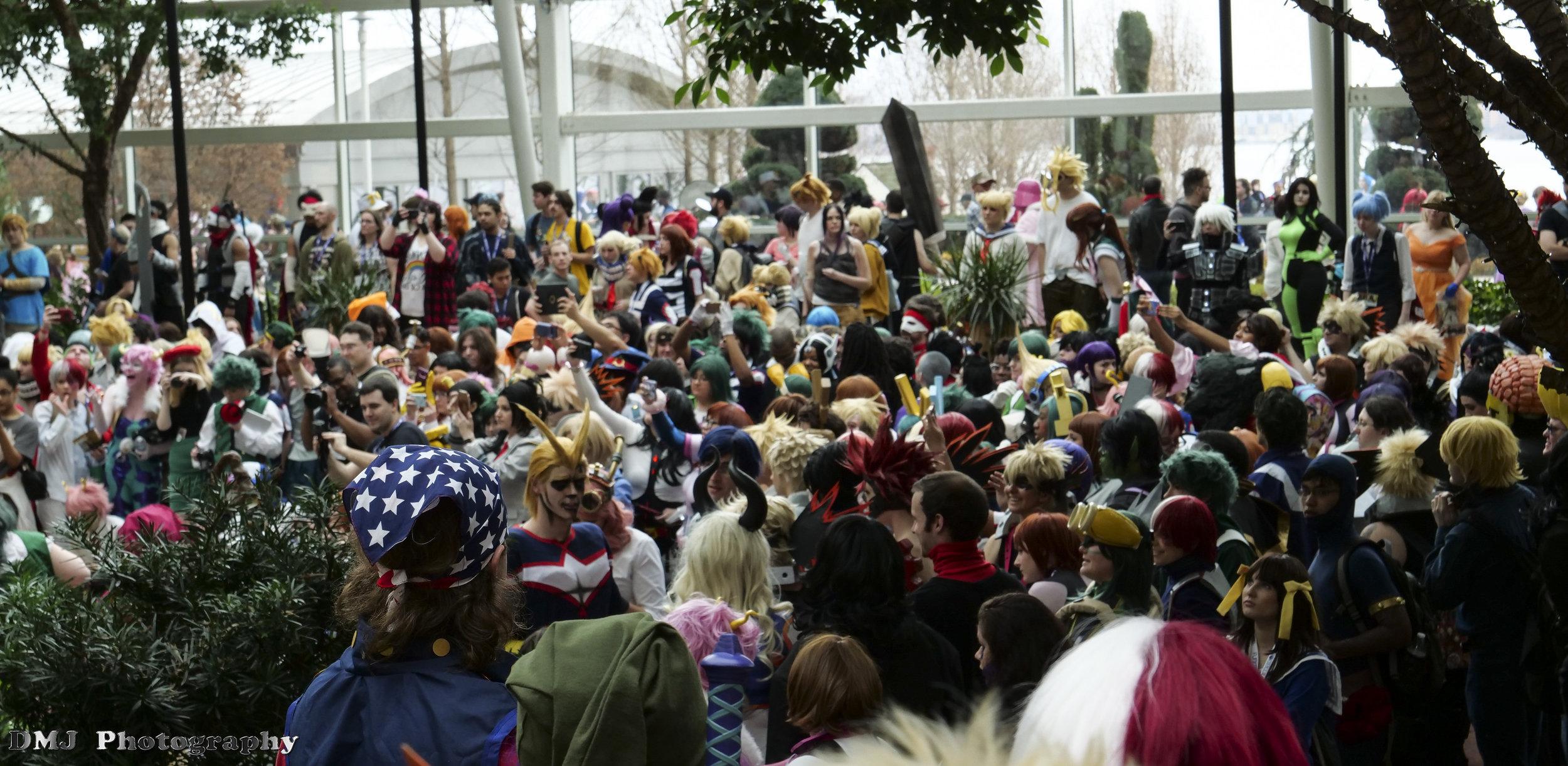 Crowded cosplay photoshoot for the My Hero Academia (Boku no Hero Academia) fandom