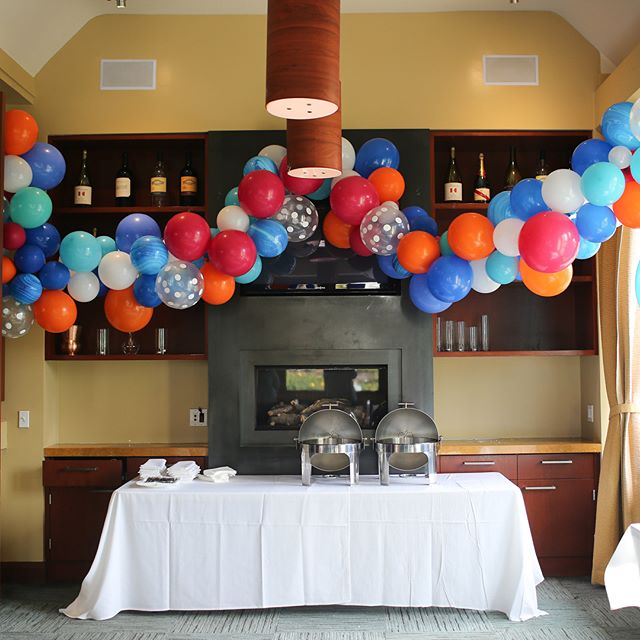 We decked out the kids room at our recent HG wedding with a flowing balloon garland. These have been our favorite kind of installations because they're fun to make and each one is different and unique. #balloons #balloongarland #lakechalet #oakland #iloveoakland #partyplanners #party #wedding #bayarea #bayareapartyplanner #bayareapartyplanning