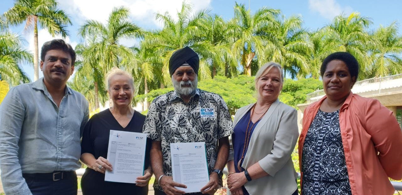 Photo from the left: Dr Bibhya Sharma, Acting Dean, Faculty Science, Technology & Environment, The University of the South Pacific, Diana van Woerkom, Managing Director – Australian Internships, The University of the South Pacific, Vice Chancellor, Professor Pal Ahluwalia, Jenny Salonen – Director Strategic Engagement – Australian Internships and Oliana Nayago, Industry & Community Liaison Coordinator, Faculty of Science, Technology & Environment, The University of the South Pacific.