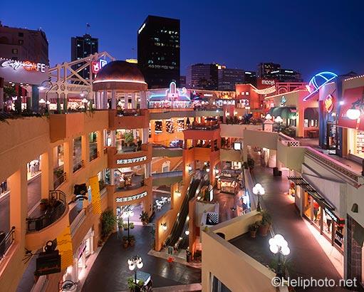 Horton_Plaza_San_Diego.jpg