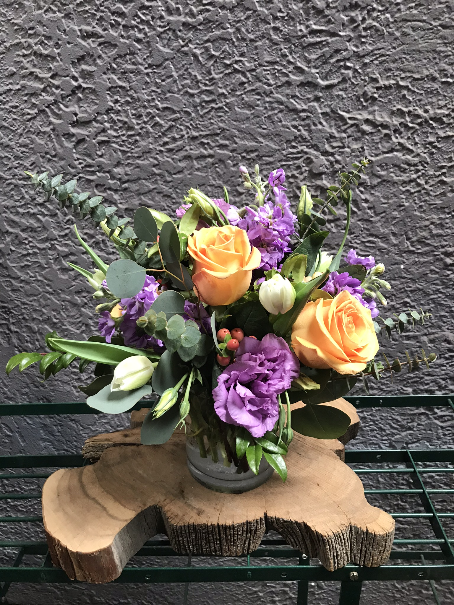 6. Subtle contrast in peach and lavender