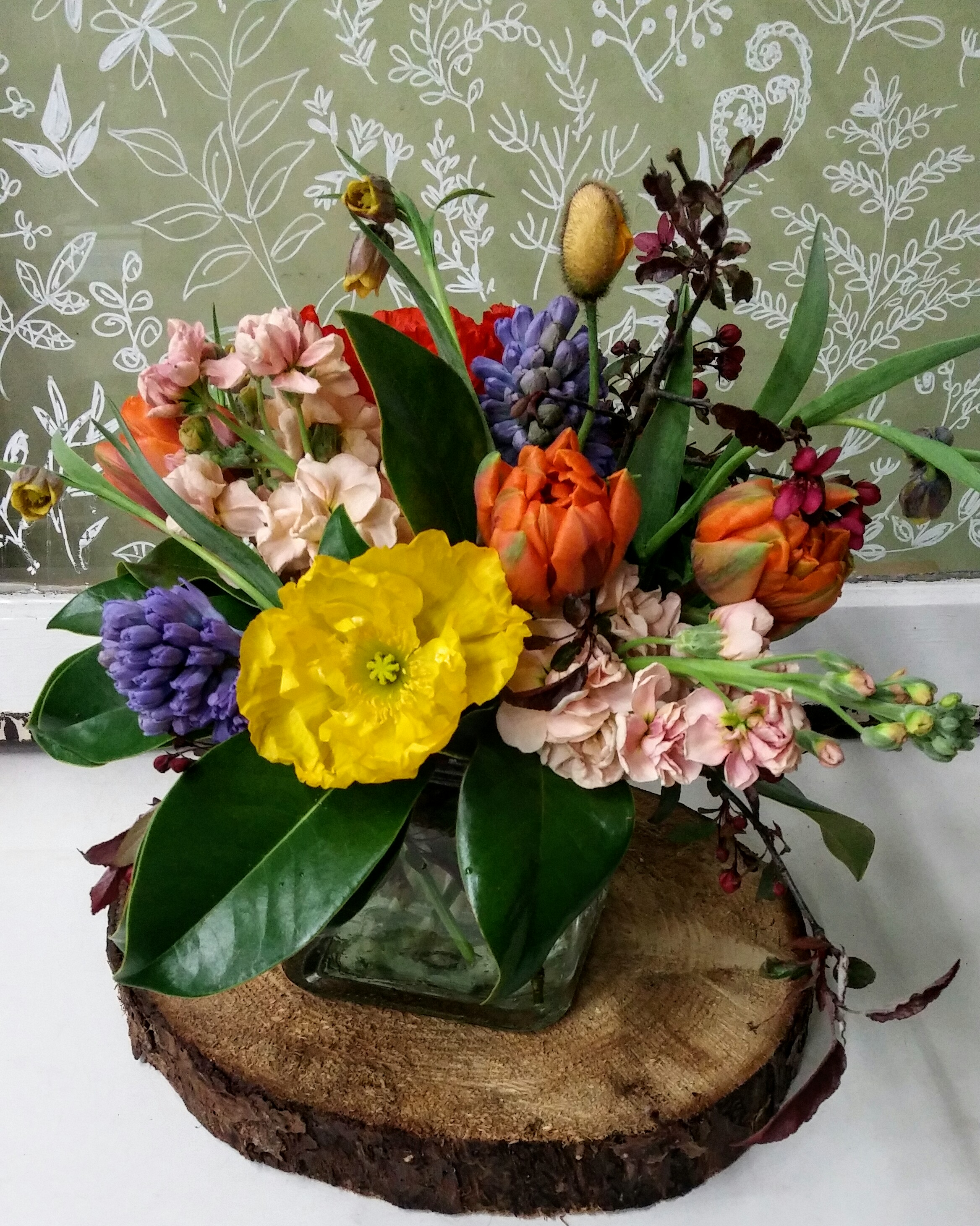 13. colorful spring with bulb flowers