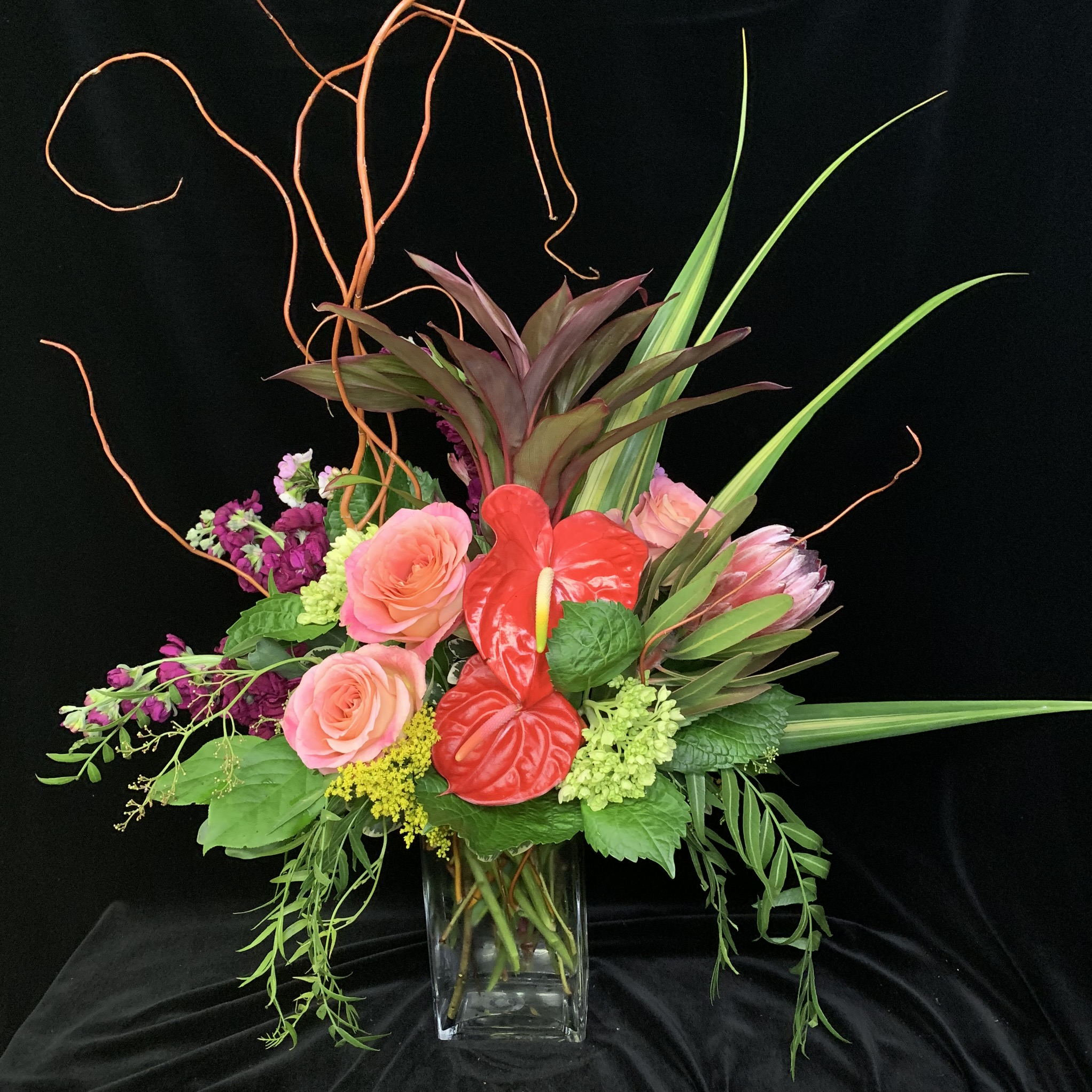 32. Dramatic coral and peach display