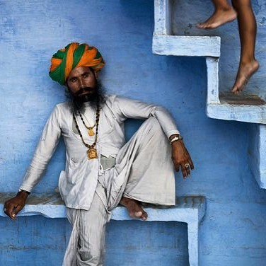Jodhpur 📷 @stevemccurryofficial #white #antiquetribaljewellery #zezecollective #inspiration
