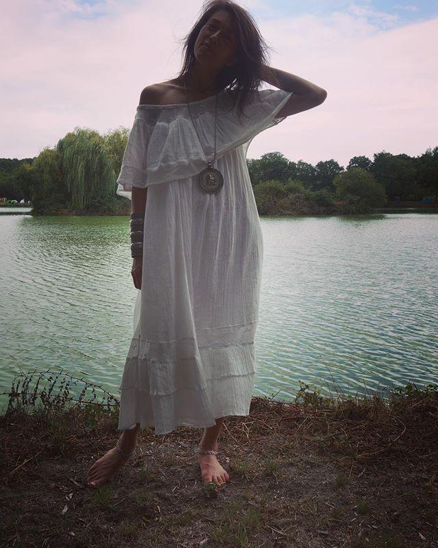 Ruta wearing #zezecollectivethread dress and antique tribal Rajisthani Indian jewellery from #zezecollective #white #kundaliniyoga #ceremony #divinity #goddess #increaseyouraura 📷by @luigi_vi