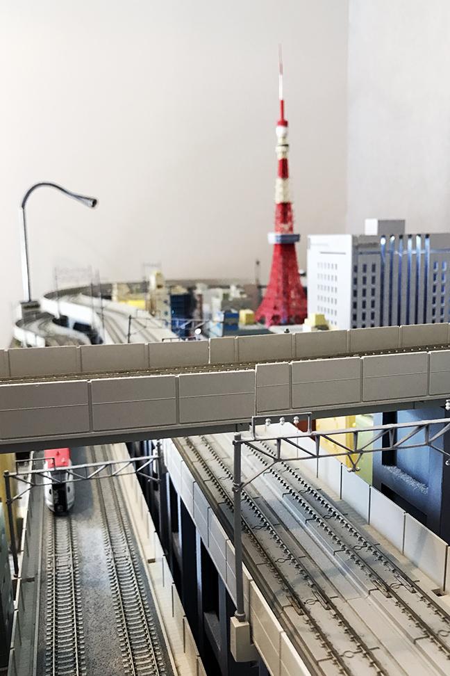 Akihabara Washington Hotel - Train Room Tokyo Tower.JPG