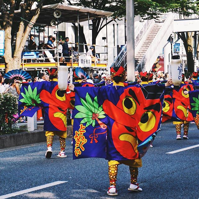 The worst part about Tokyo in August is the heat/humidity 💦 but the best part is the summer festivals! 🙌 We've had the chance to attend a few and the Harajuku Omotesando Super Yosakoi Festival is by far our favorite. This two day dance competition is happening again August 24-25, 2019! Check out our updated Harajuku guide for more information 🤗 #linkinbio #thosewhowandr.com