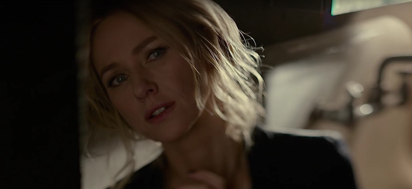 Naomi Watts backlight.png