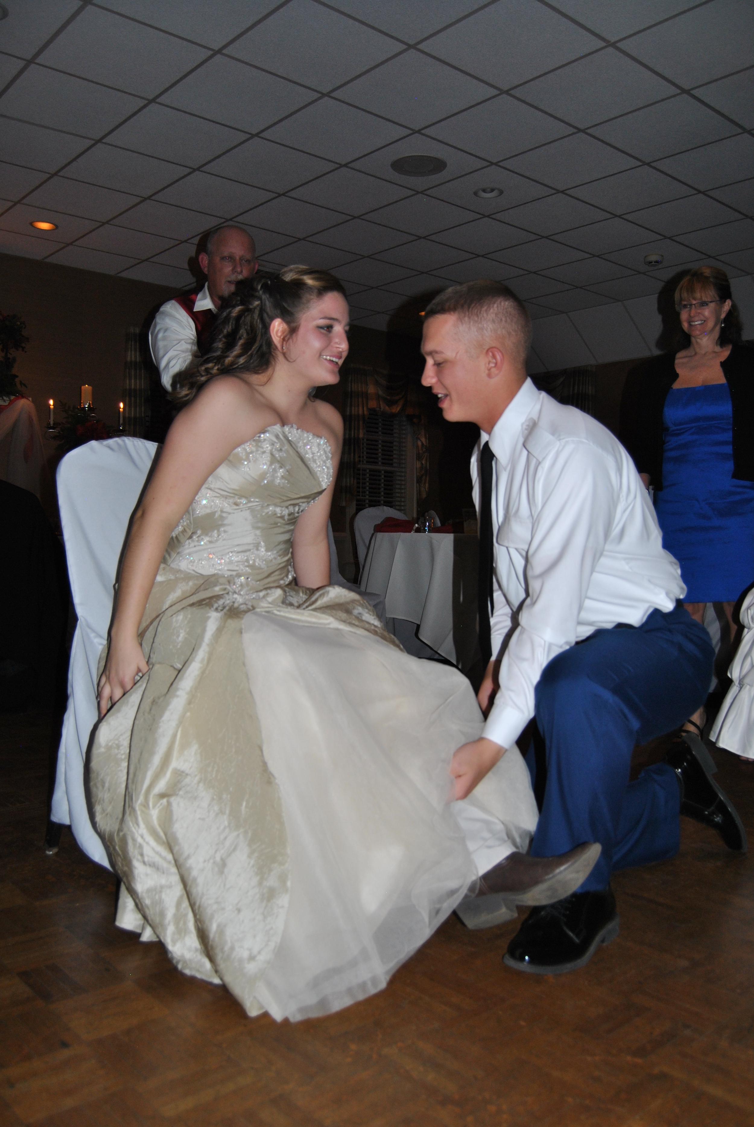 Rowsey-wedding-garter.jpg