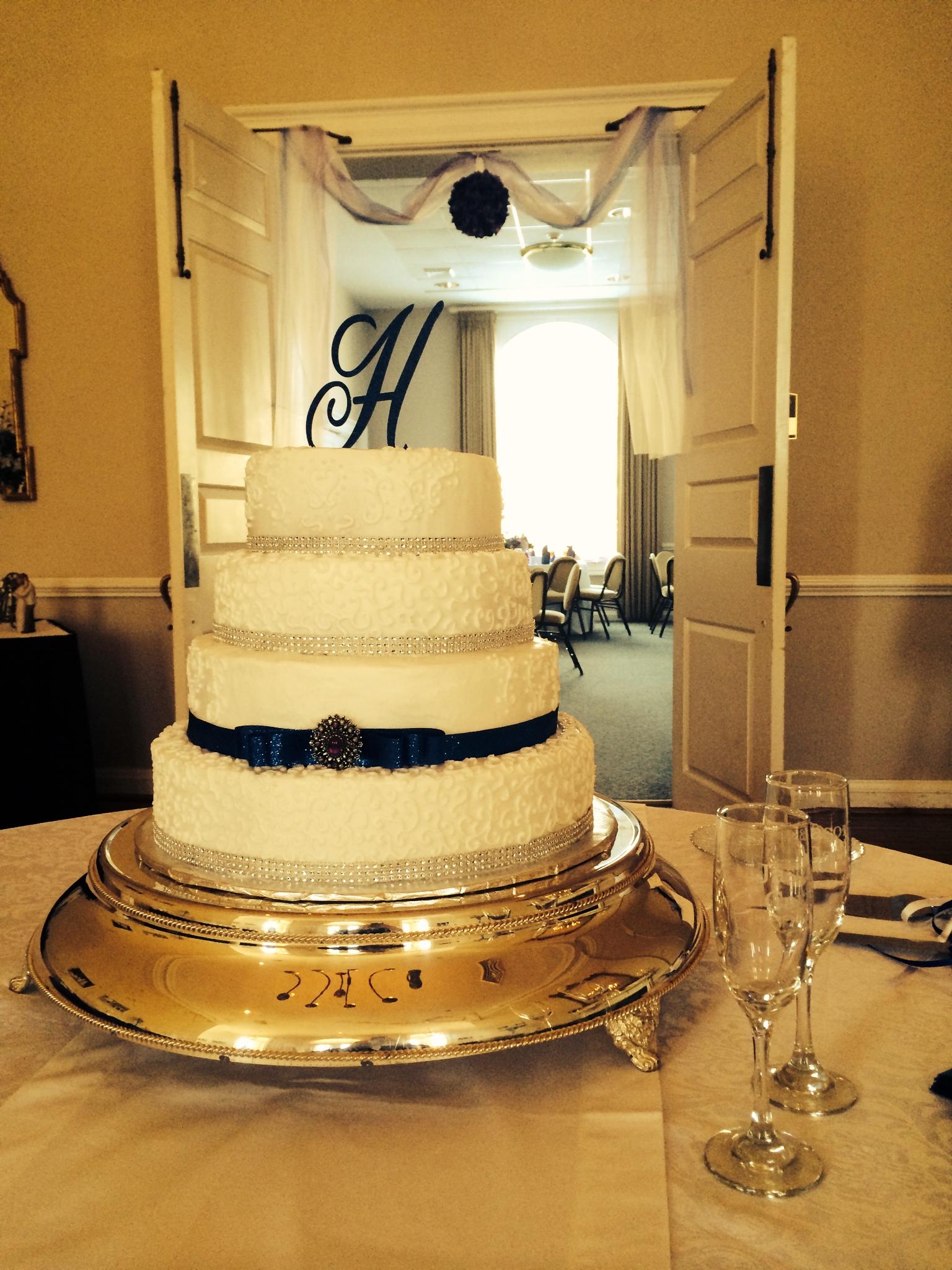 Humphries-wedding-cake.jpg