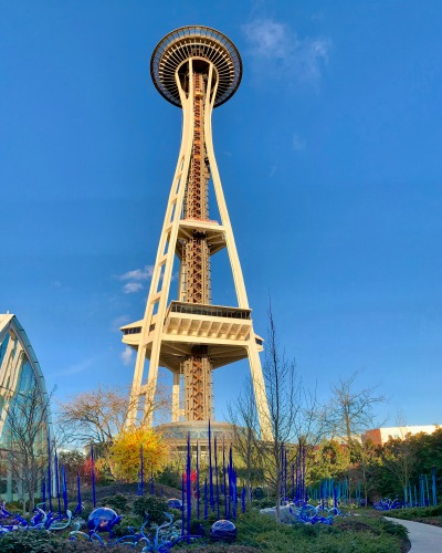 "Using a ""vertical"" panorama to capture the Space Needle and Chihuly Gardens."