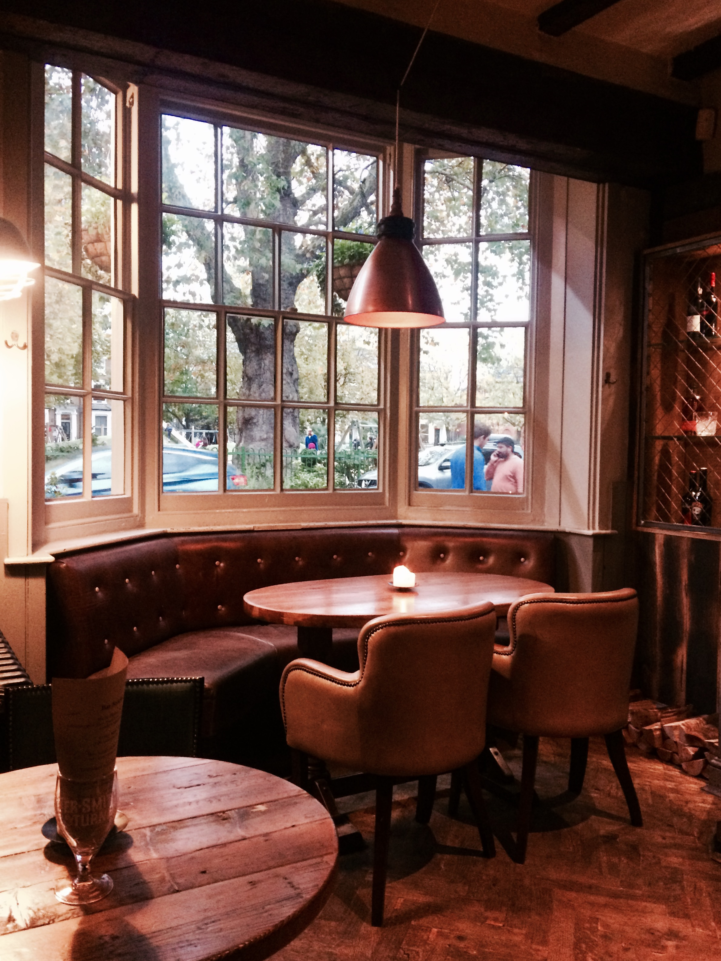 Charming London Pub: The Queens Head, Brook Green in Hammersmith