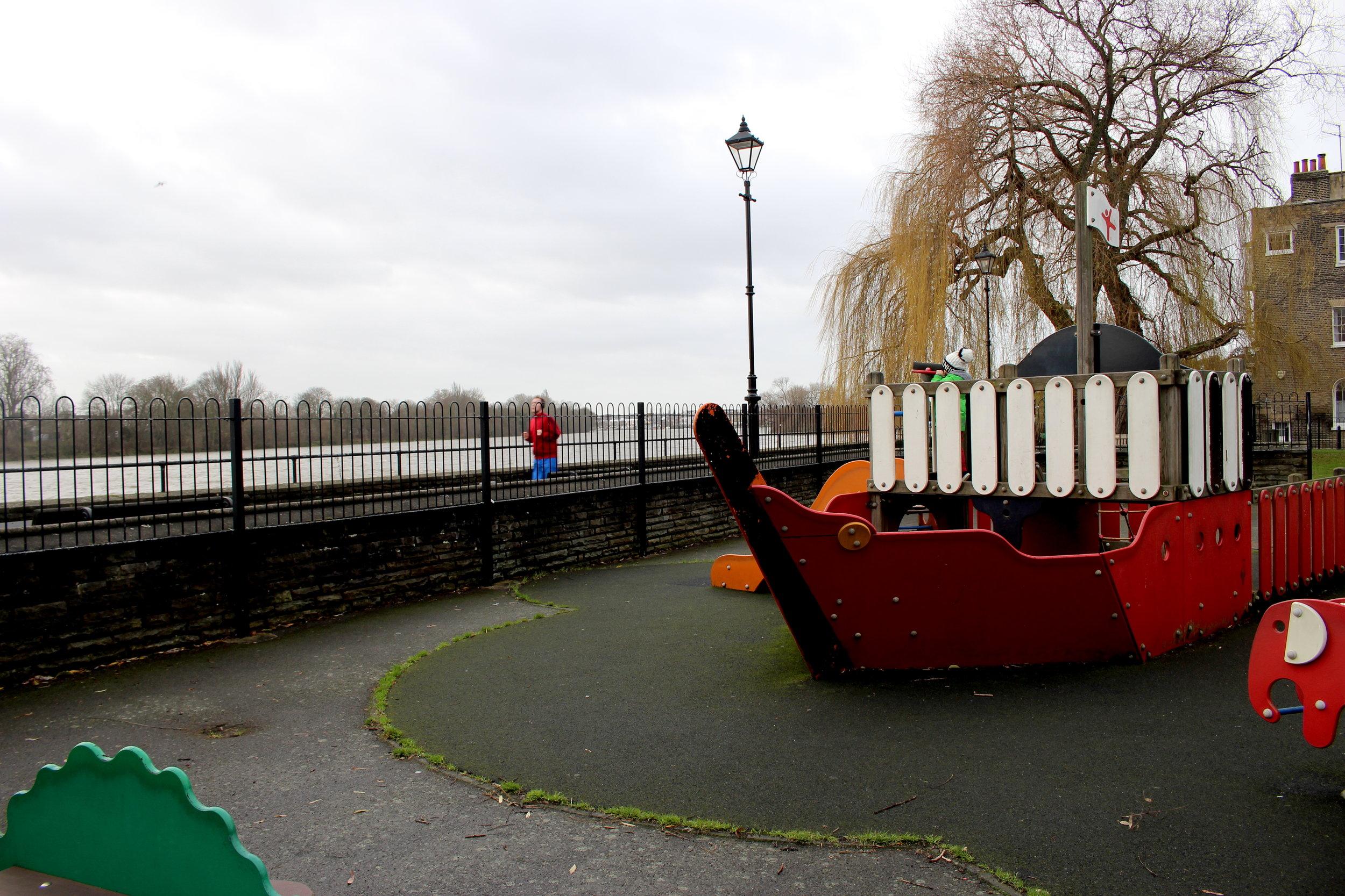 Thames VIII.JPG