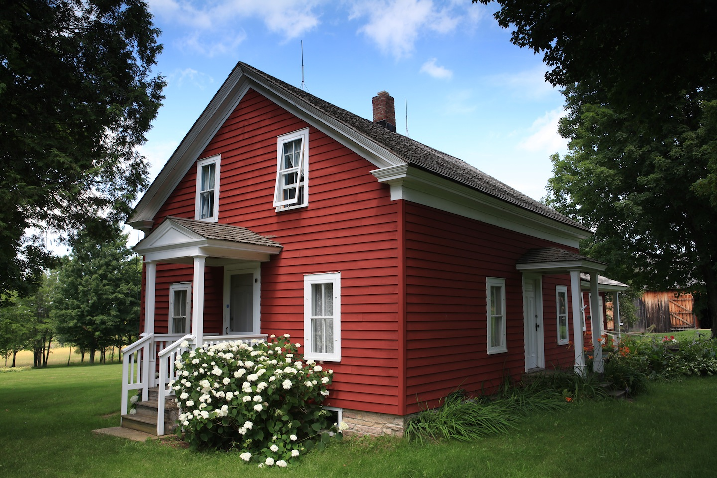 The front of the Wilder Homestead. Remember when Almanzo and Royal had to chase Lucy the pig through the snowball bushes?