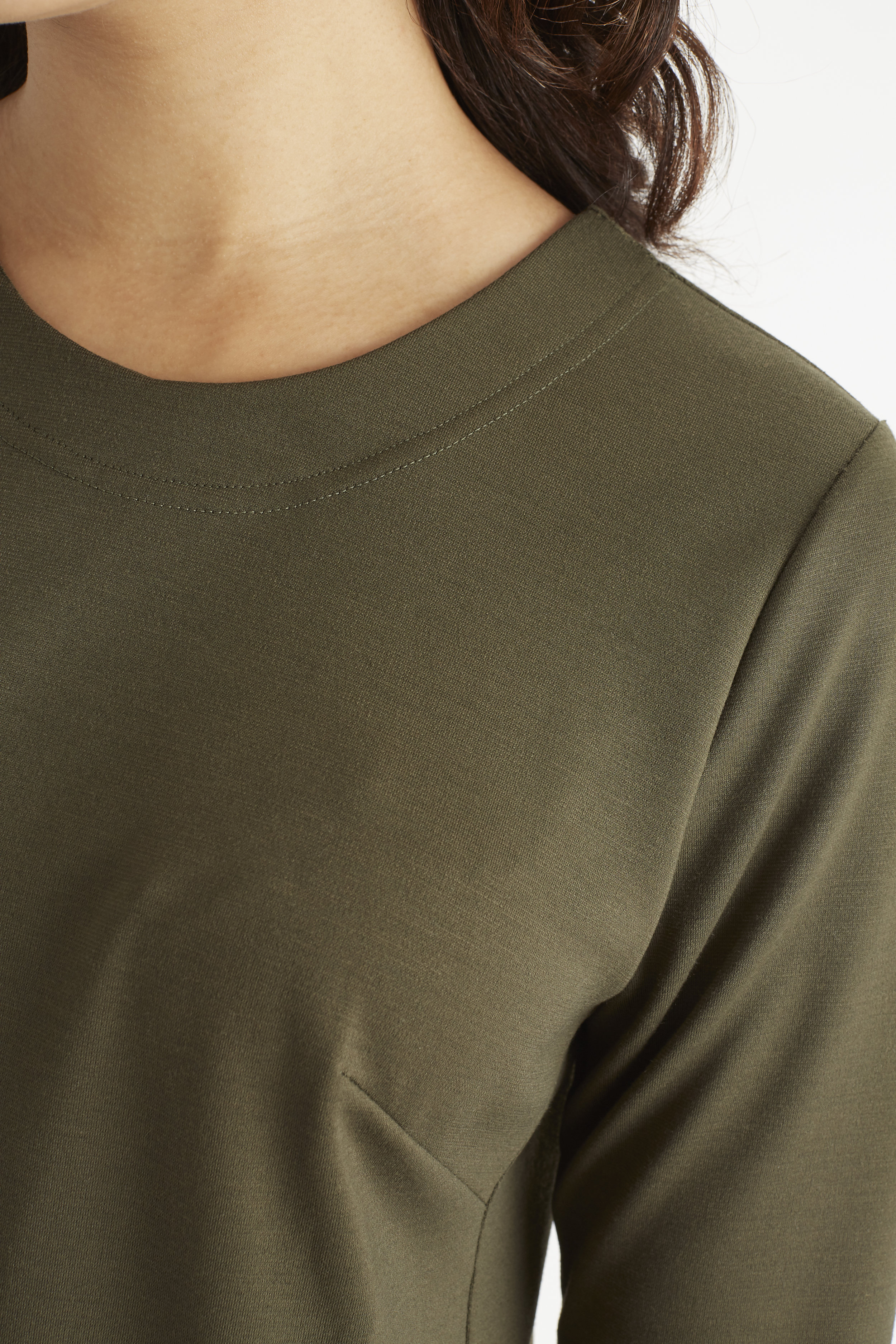GREEN_NECK_DETAIL.jpg