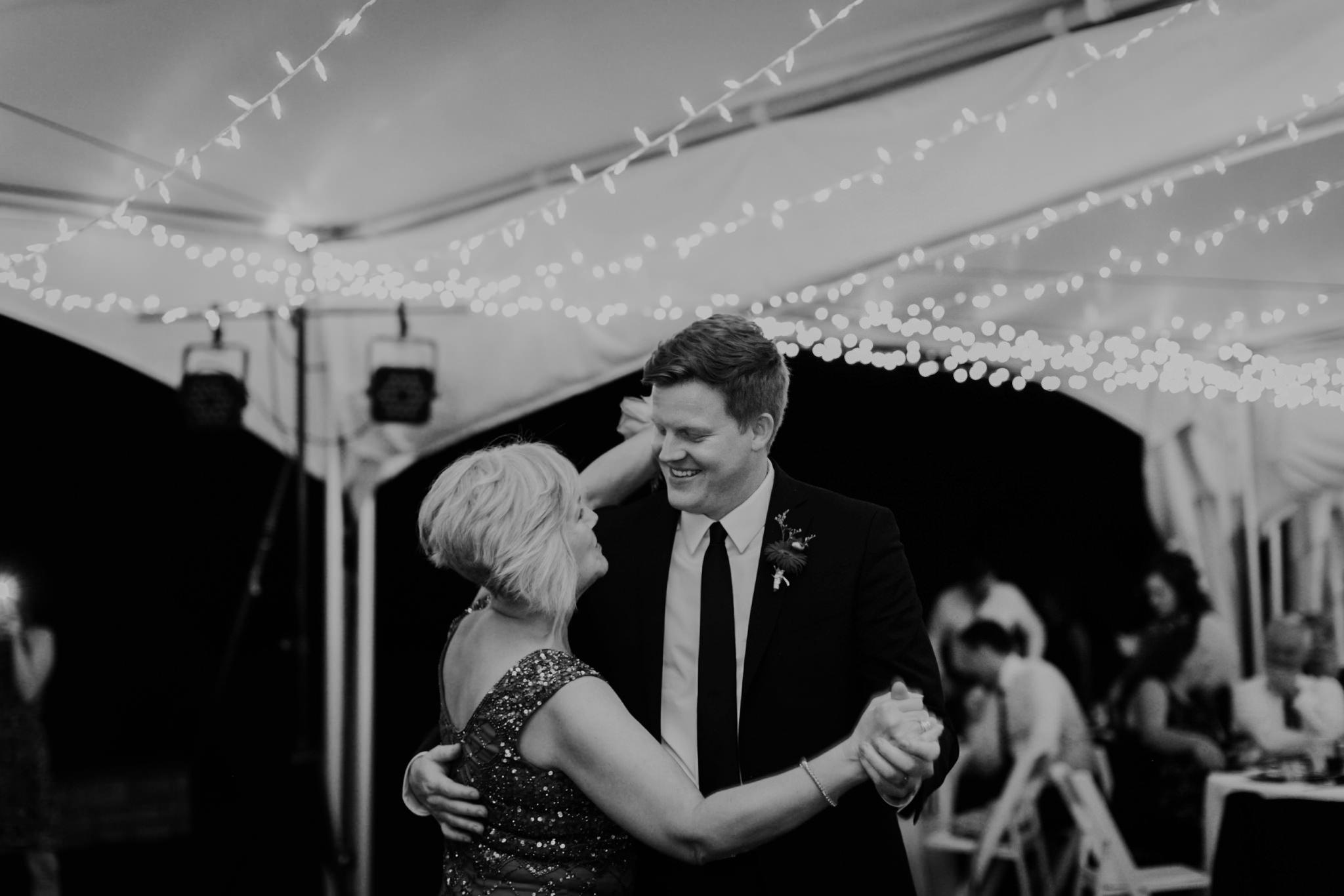 17-09-15 Lindsey and Brandon Wedding Edited-909_WEB.jpg