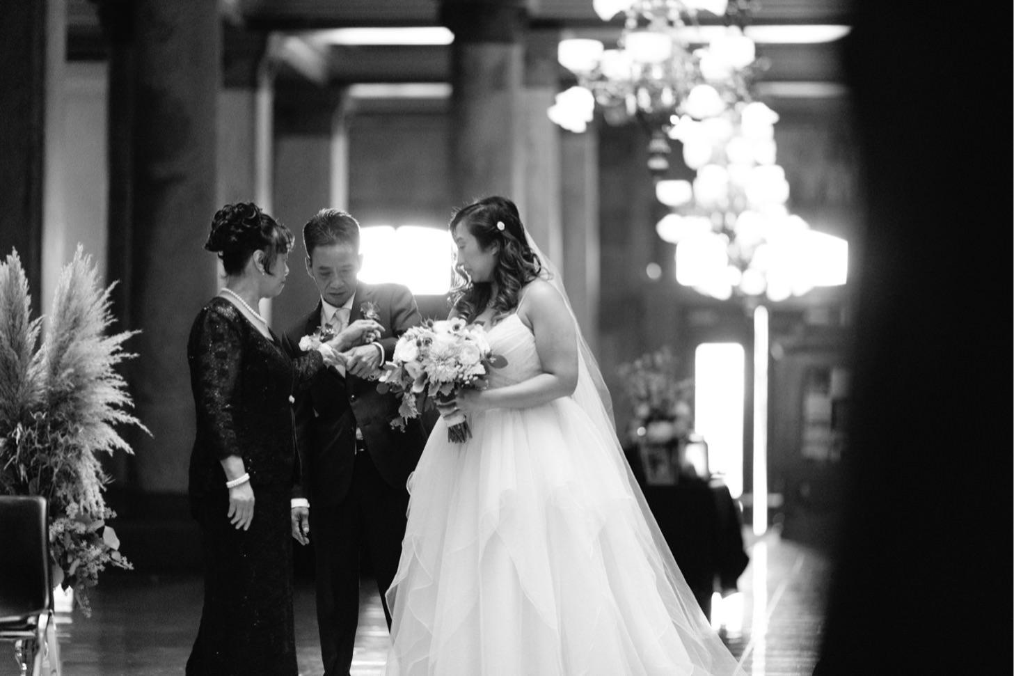 indiana-state-house-wedding-downtown-indianapolis-wedding-photographer028.JPG