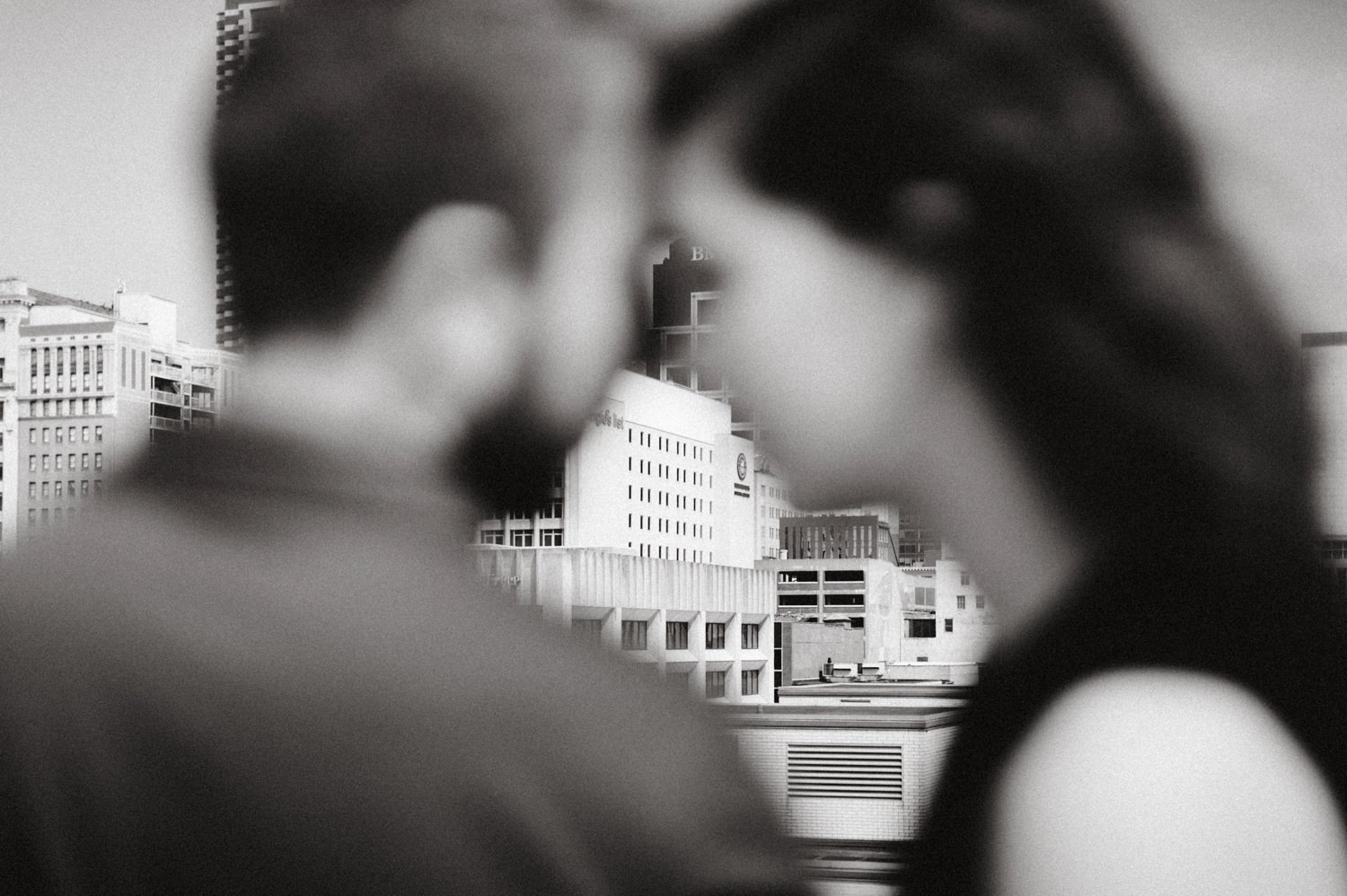 downtown-indianapolis-engagement-session-rooftop-indianapolis-engagement-photographer-kelly-marcelo-photography015.JPG