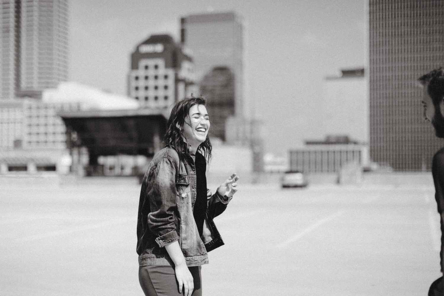 downtown-indianapolis-engagement-session-rooftop-indianapolis-engagement-photographer-kelly-marcelo-photography033.JPG