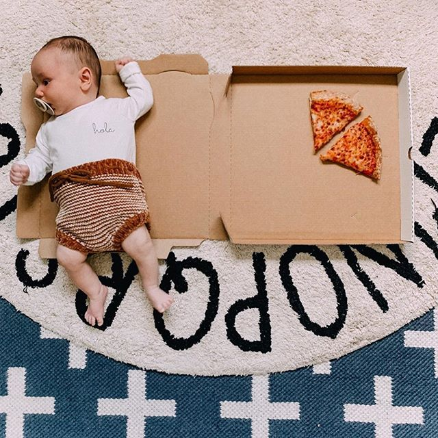 A little slice of paradise 🍕  Our hola organic onesie on the cutest little babe